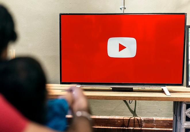 YouTube, réseaux sociaux, fans